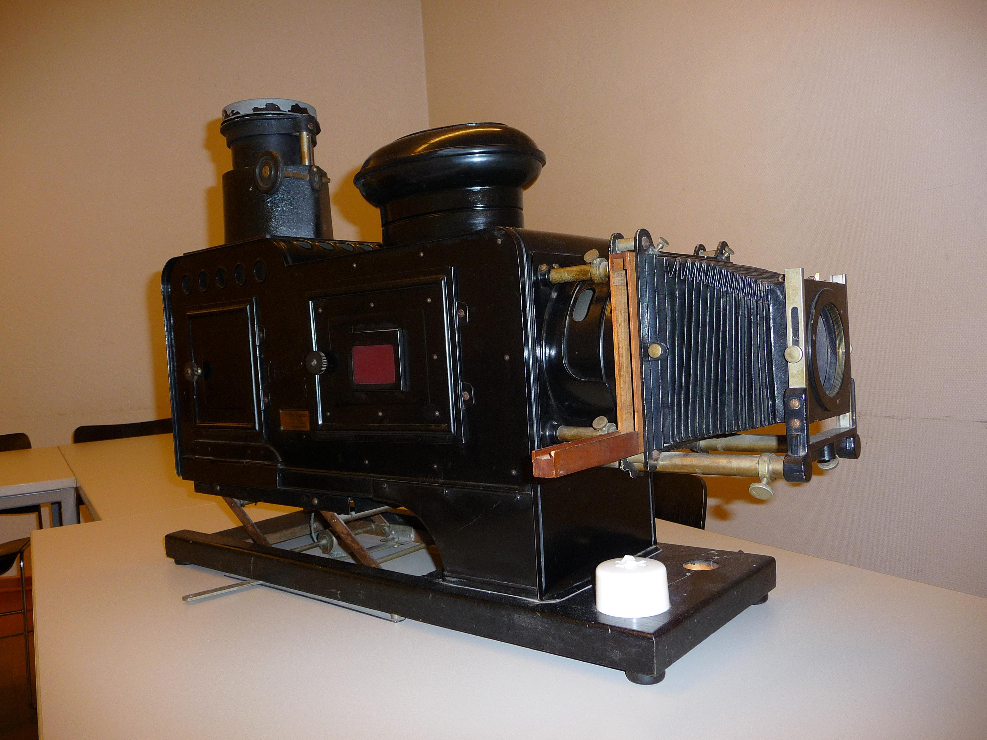 Triplex Projektor